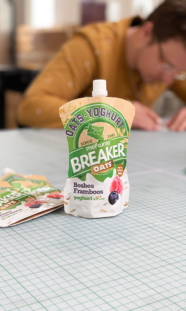 mockup dummy packaging total presentation melkunie breaker
